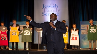magic johnson fundraising