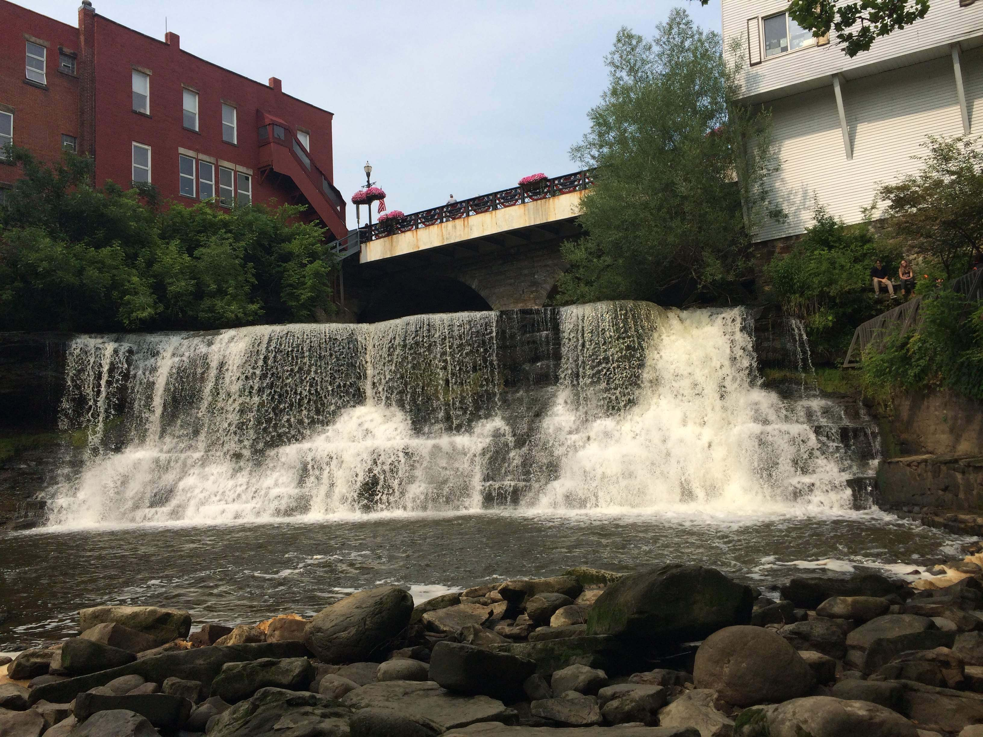 visit chagrin falls an elegant lively town with unique portage