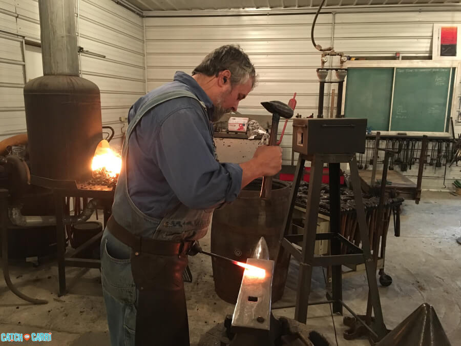 learn to be a blacksmith in hocking hills