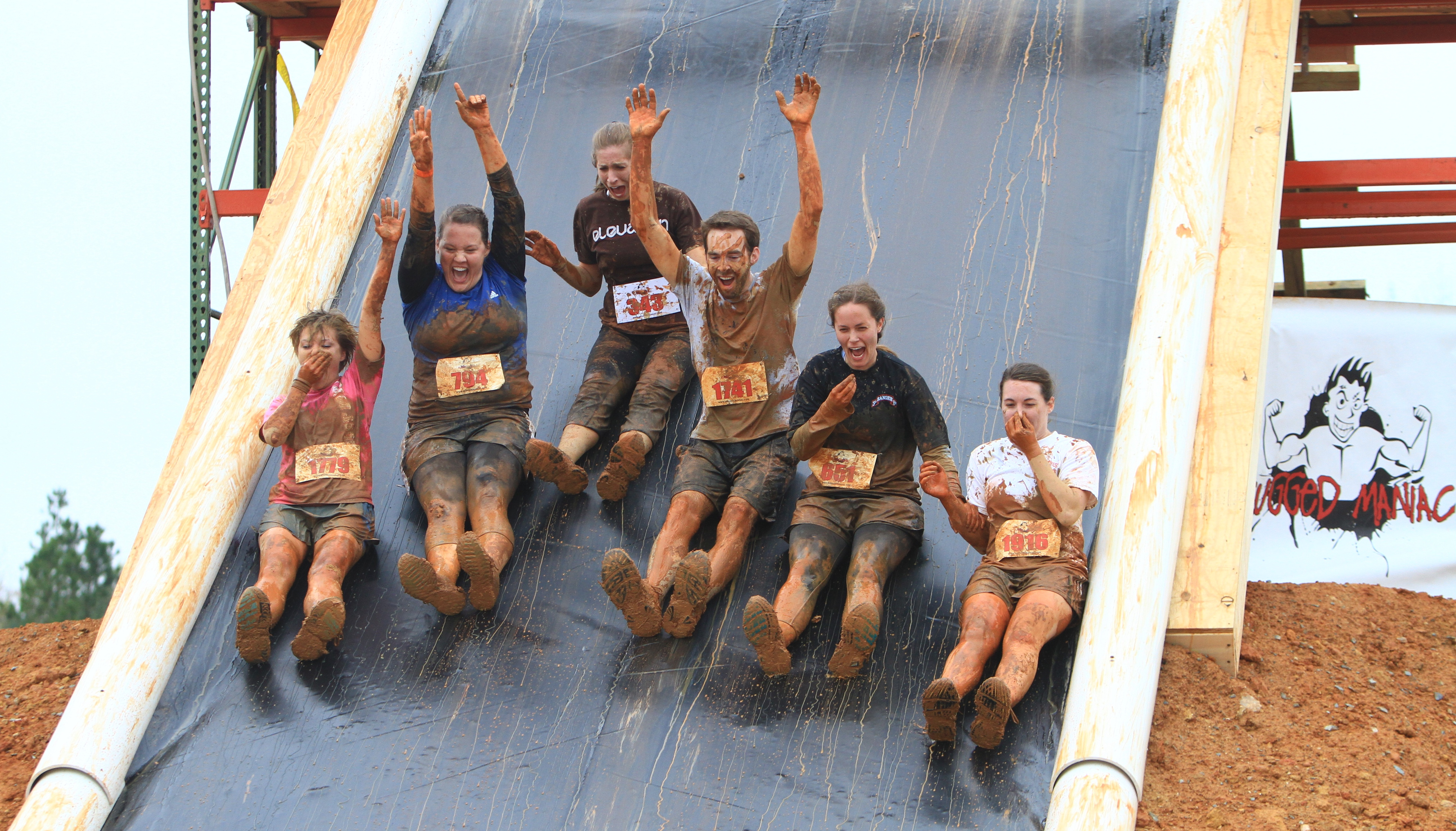 The Set Up For Rugged Maniac Is No Picnic In Park Crew Heads West A Week Before Race To Start Constructing Obstacles