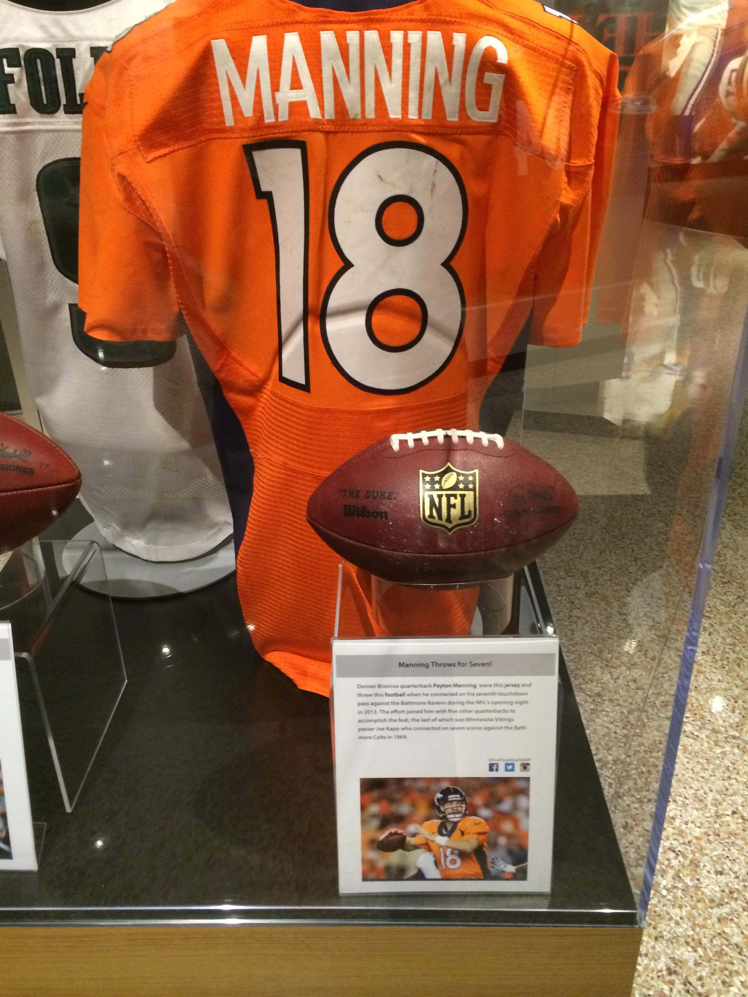 Foyer Museum Tickets : Pro football hall of fame canton ohio catchcarri